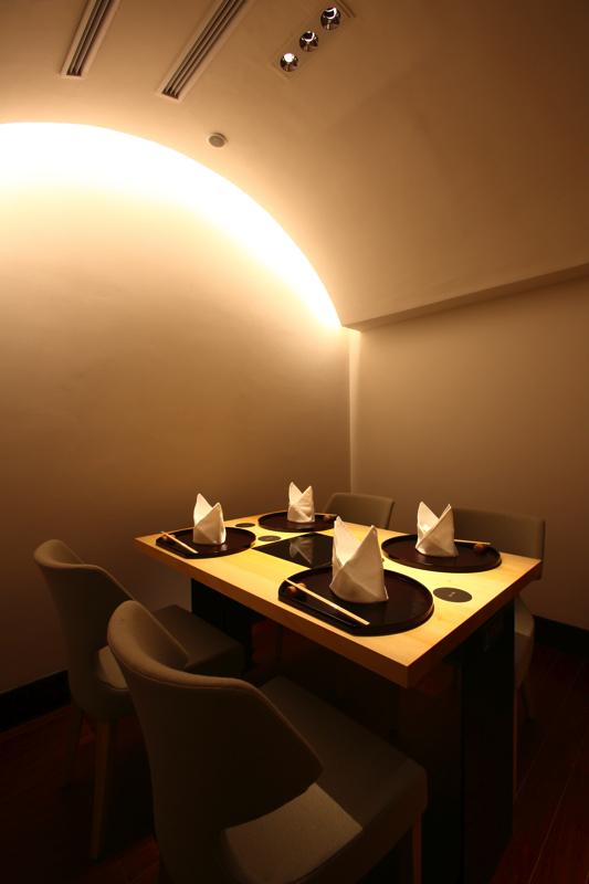 イチョウ テーブル・カウンター