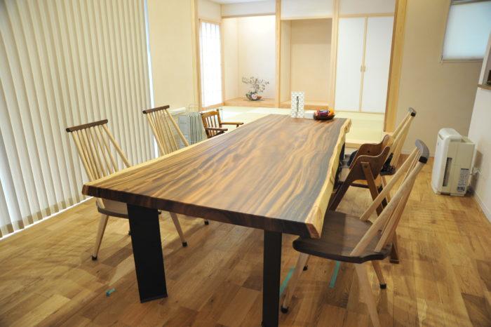 モンキーポッド テーブル
