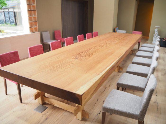 スギ テーブル